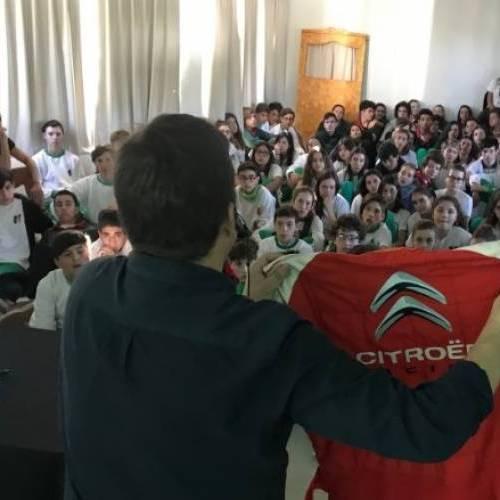 EL SÚPER TC2000 VA A LA ESCUELA